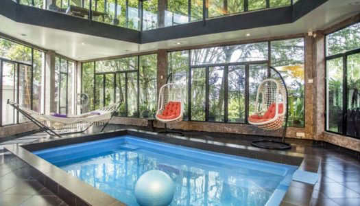 Ampang glasshouse villa with indoor pool and forest views for a group staycation near KL – Zoo Villa, KL
